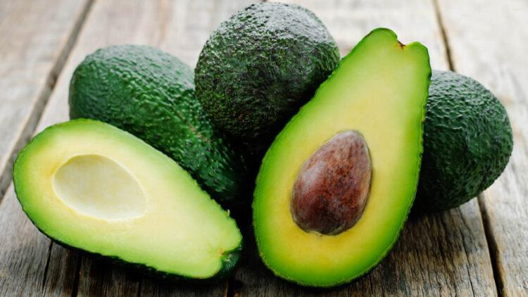 6-redenen-avocado-eten